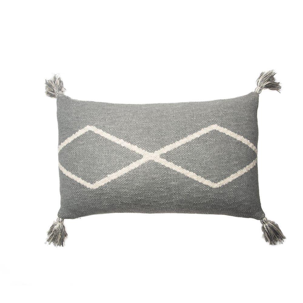 Lorena Canals – Knitted Cushion – Oasis Grey – 30 x 48 cm