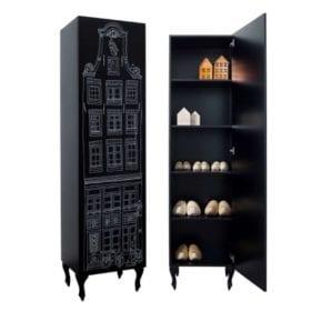 Schrank Amsterdam, Glockengiebel – Schwarz mit Aufdruck